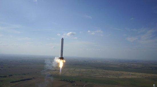 SpaceX蚱蜢火箭第八跳744米