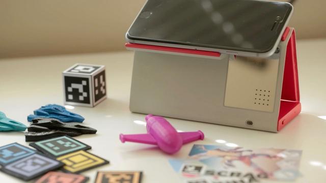 这款AR工具逆天了 能让iPhone秒变桌面游乐场