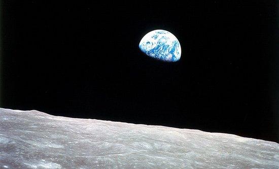 """月球或存最古老的""""水"""":追溯到数十亿年前"""