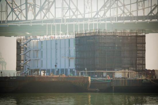旧金山湾区的浮动建筑或是谷歌眼镜销售中心