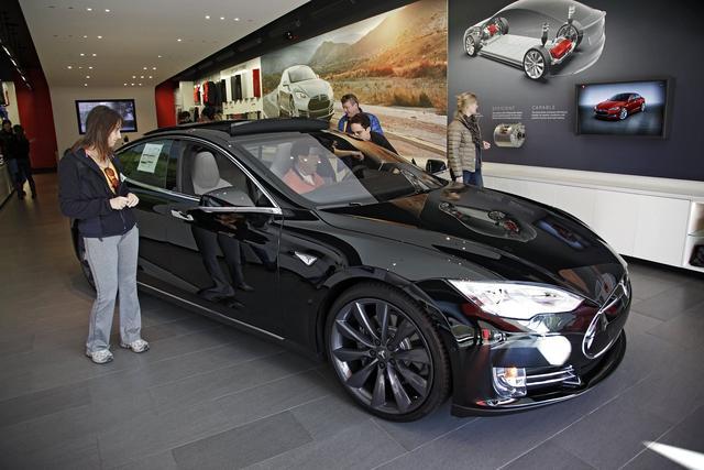 特斯拉升级Model S 四驱可续航240英里