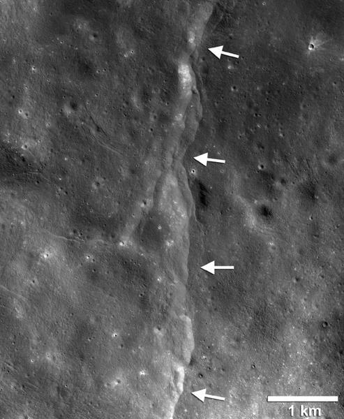 科学家发现月球上的断崖与地球潮汐力有关
