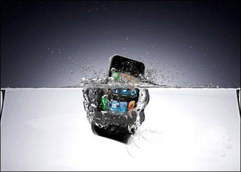 iPhone进水了怎么?苹果的新专利可能会帮到你