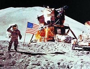 """回应""""花了巨资登月范围却太小""""的质疑.-阿姆斯特朗 月球一小步"""