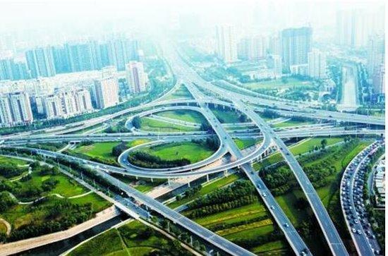 """3、""""杯水情,清凉行""""鸿坤原乡半岛开启中国水公益之旅"""