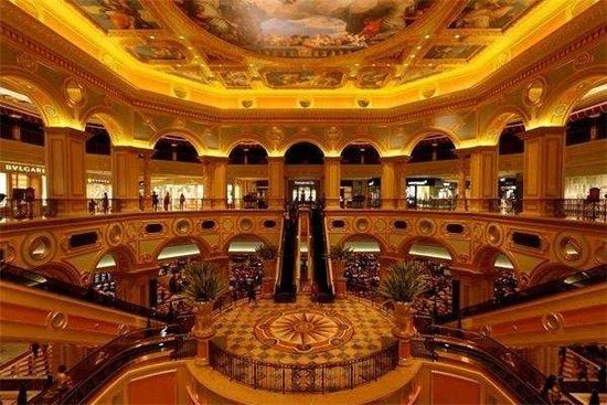 图击澳门奢华赌场+让拉斯维加斯自惭形秽