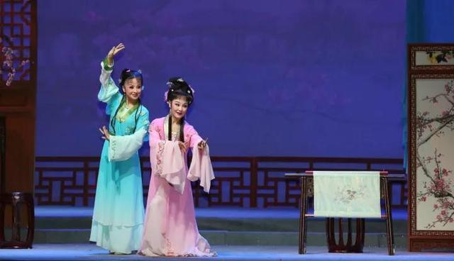 经典剧目《女驸马》、《天仙配》