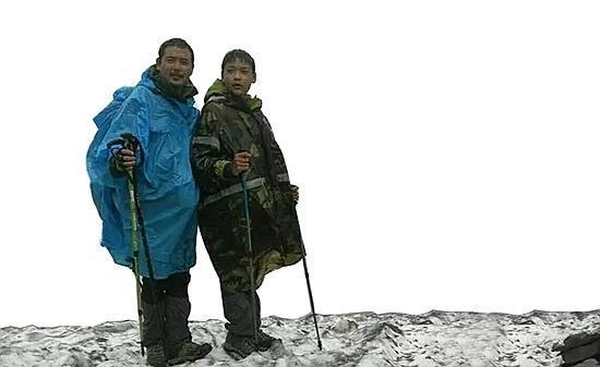 父亲带12岁儿子徒步318国道进西藏引争议