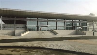 津滨轻轨东海路站内外装修完工 列车正试运行