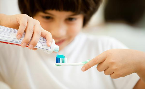 儿童龋齿率上升 为幼儿选牙膏多关注这几点