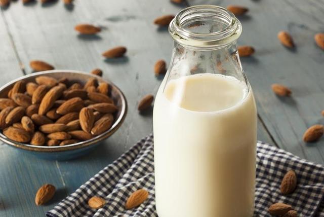 什么时候喝牛奶最好?不必刻意选择时间