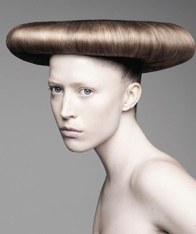 头顶神兽 外国杀马特们的逆天发型图片