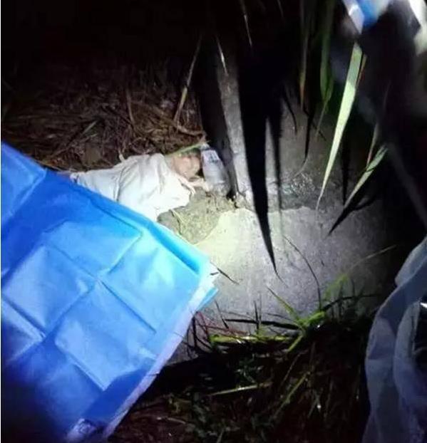刚出生女婴被扔草丛 母亲竟是12岁留守儿童