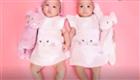 熊黛林抱双胎女儿