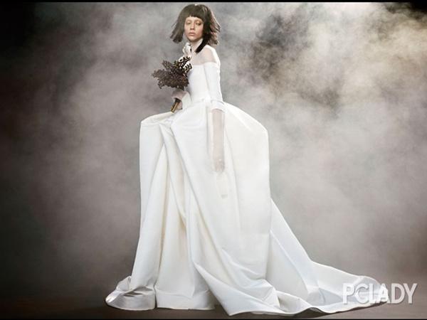 五月婚礼季 这里有最美的30件婚纱