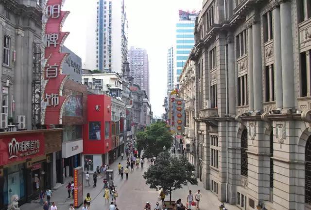七,武汉江汉路步行街图片