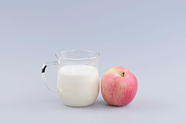 如何快速减肥瘦身?苹果牛奶减肥法饱腹又营养
