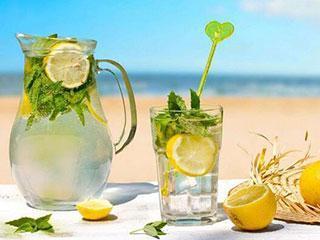 蜂蜜柠檬水的正确打开方式