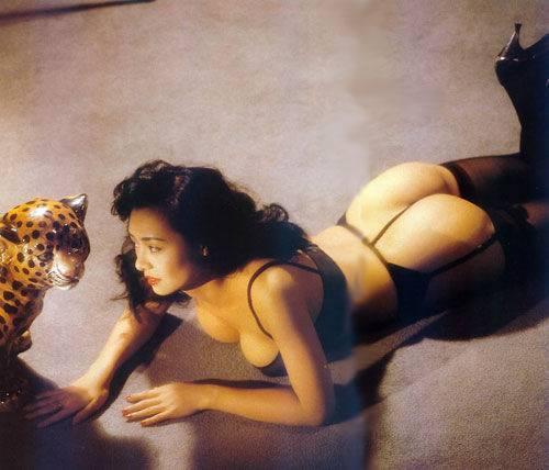 扒三级片女星血泪史:李丽珍性上瘾一周性爱52次