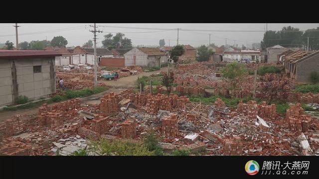 宝坻这个村庄正在拆迁 百货店老板坚守到最后