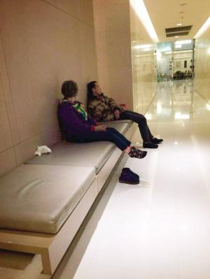 """在天津商场购物""""血拼"""" 也别太过""""任性"""""""