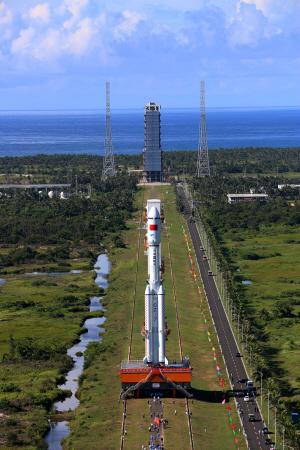 """津产大火箭""""长征七号""""25日至29日择机发射"""
