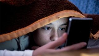 两大股东呼吁苹果公司解决青少年手机上瘾问题