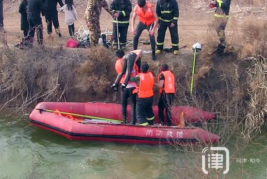 又是坠河悲剧!天津一男孩不慎踩空落入冰河中溺亡