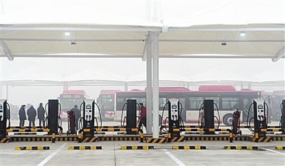 新能源基地充电站 满足120部车充电需求