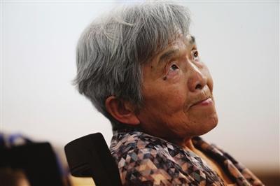 81岁老奶奶天大圆大学梦 6次报考计算机课程