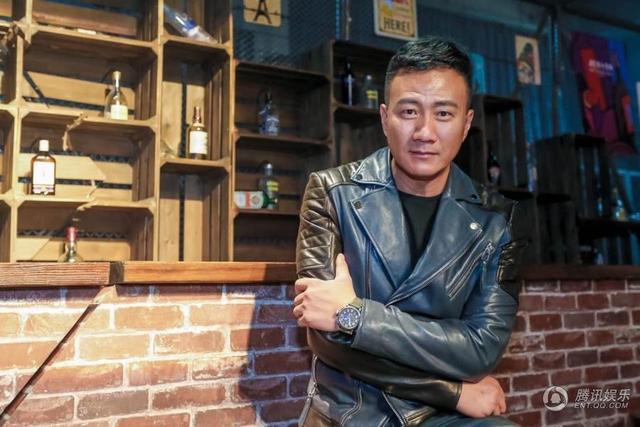 胡军自创品牌举行大秀 邓超刘烨等众星力挺
