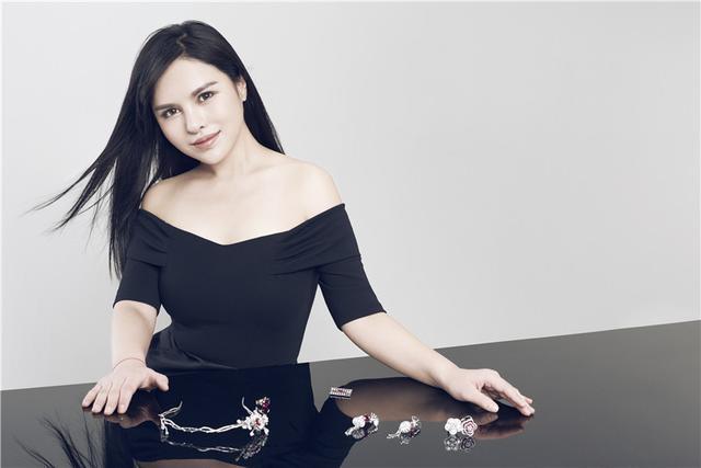 时尚大咖携手国际新锐珠宝设计师,跨界演绎东方美学高定珠宝作品!