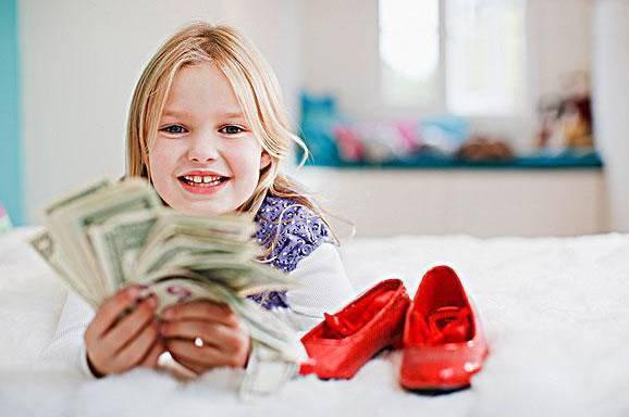 高情商的父母都这样给孩子零花钱!