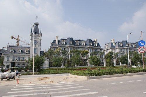 """而得一理想国作为太原东山上""""中央别墅区""""的门户性别墅建筑,是真正的转地标梯图片"""