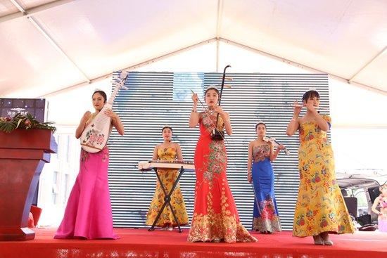 古乐器表演-买房送奔驰 湖滨文锦苑就是如此给力