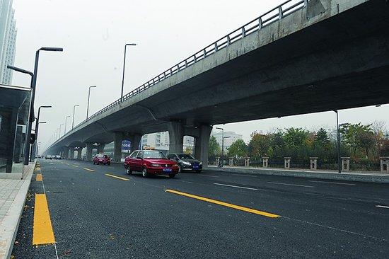 图 太原学府街具备通车条件