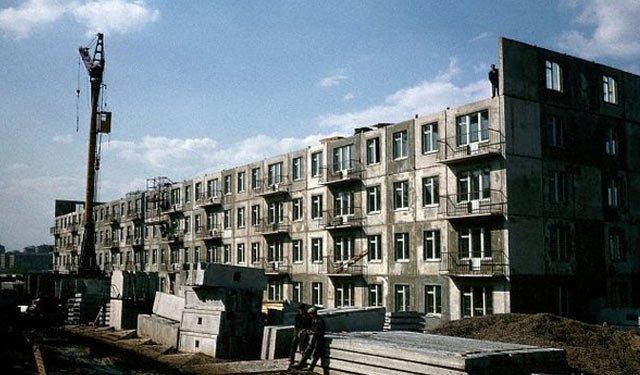 1964年,正在建造中的赫鲁晓夫楼