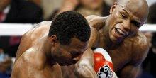 全美拳击经典反败为胜 悍将飙血铁拳大逆转KO