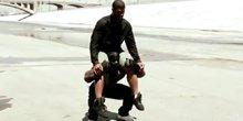 地球最强肌肉男训练 背驮壮汉做俯卧撑毫无压力