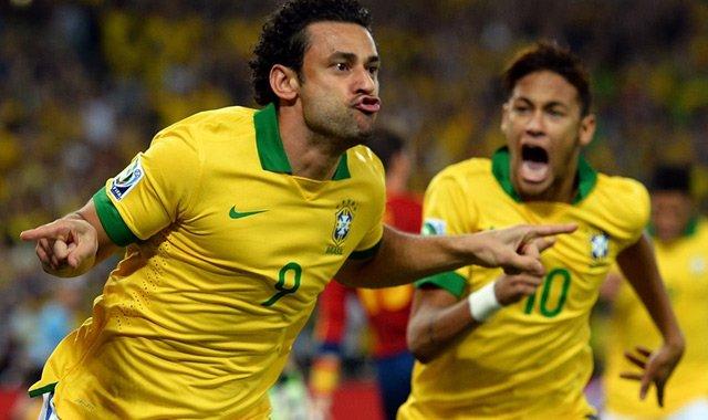 弗雷德两球内马尔世界波 巴西3-0西班牙三连冠