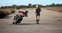摩托车达人秀特技