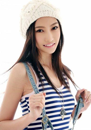 白洁高跟鞋_中国超级美女艺人基地——1001号