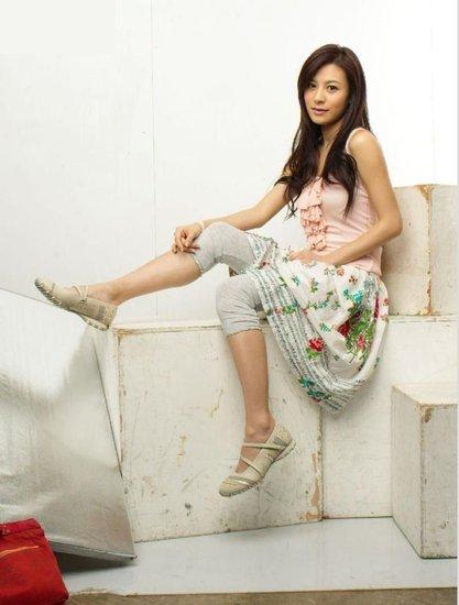 中国超级美女艺人基地――2012号