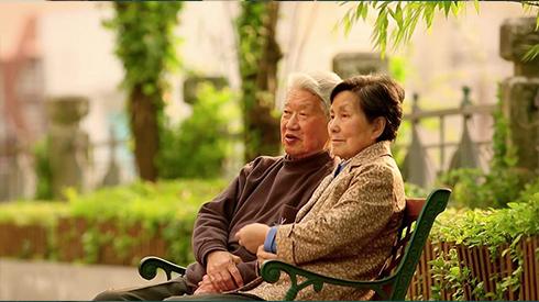 动人的爱与深沉的无奈:面对阿尔茨海默病,我们能做什么?