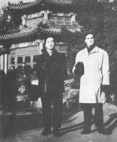 """法媒再炒""""中国蝴蝶君""""间谍 两男子相恋情结引质疑"""