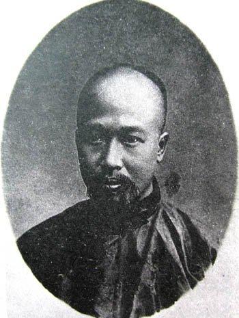 康有为。康氏为掩饰自己戊戌年反对兴民权的真相,篡改了很多史料,如《日本变政记》的进呈本与刊行本即大不相同。
