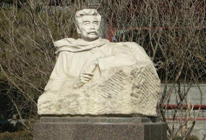 北京鲁迅博物馆中的鲁迅像