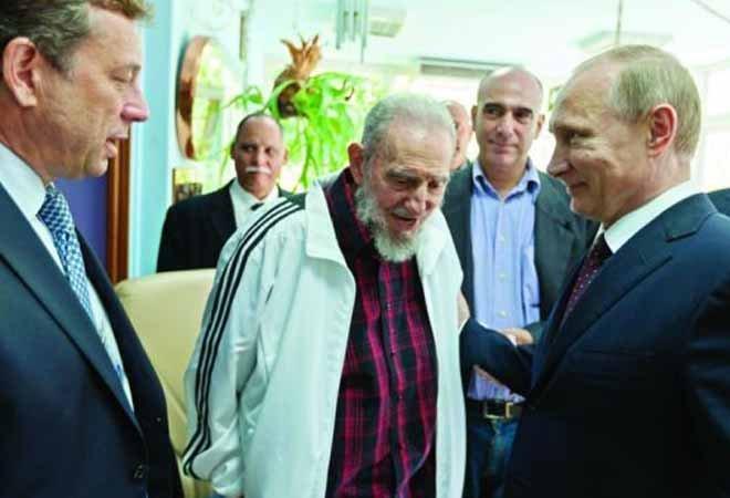 2014年,普京到访古巴,和卡斯特罗会面