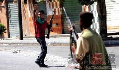 媒体称利比亚战局进入最后阶段 卡扎菲可能流亡