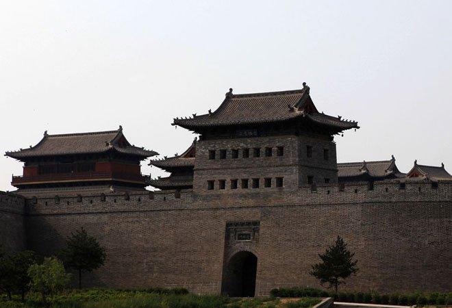 图:斥巨资修建的大同古城墙
